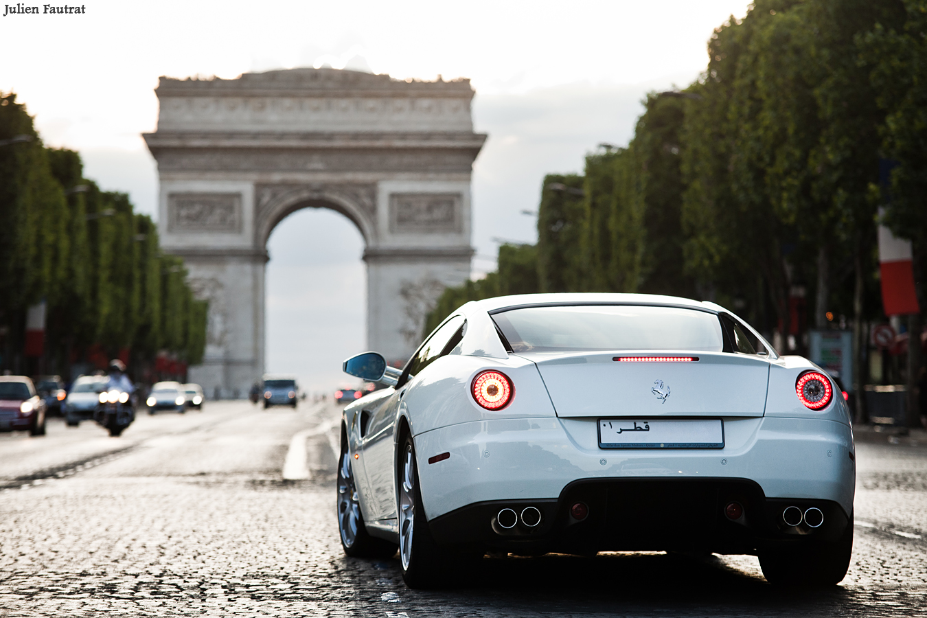 http://fautrat.free.fr/voiture-valk/image/g-photo/ferrari/599/ferrari-599-gtb-fiorano-1.jpg